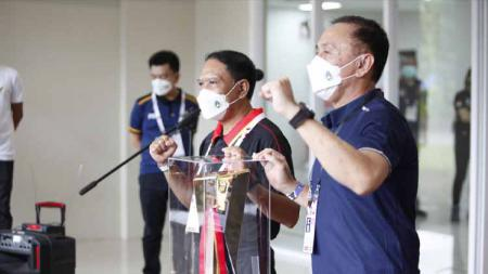 Keterangan pers ketum pssi Mochamad Iriawan dan Menpora Zainudin Amali soal kesiapan jelang kick off Piala Menpora 2021. - INDOSPORT