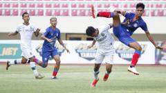 Indosport - Situasi laga Arema FC vs Persikabo.