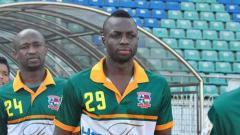 Indosport - Striker Pantai Gading yang menjalani seleksi bersama Barito Putera, Donald Bissa.