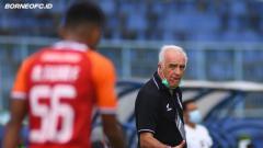 Indosport - Breaking News! Mario Gomez dan 2 Asistennya Angkat Kaki dari Borneo FC.