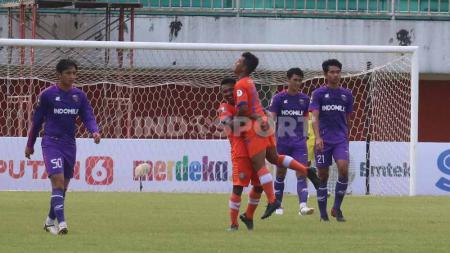 Selebrasi pemain Persiraja Aceh setelah gol ke gawang Persita Tangerang pada laga pembuka grup D Piala Menpora 2021 di Stadion Maguwoharjo, Sleman, Rabu (24/03/21) sore. - INDOSPORT