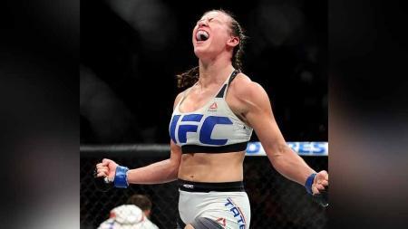 Miesha Tate legenda UFC asal Amerika Serikat. - INDOSPORT