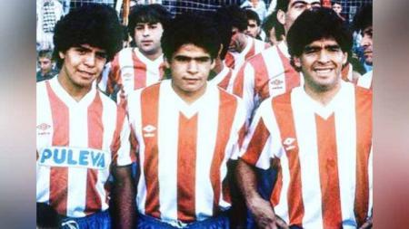 Maradona bersaudara di Granada tahun 1987. - INDOSPORT