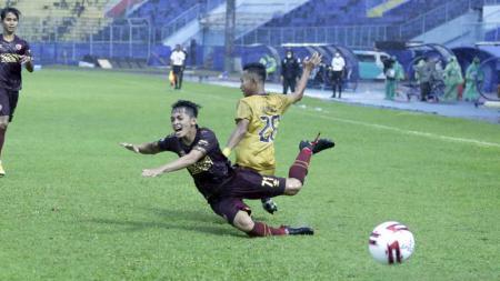 Laga kedua fase grup B antara PSM Makassar melawan Bhayangkara Solo FC di Stadion Kanjuruhan, Sabtu (27/03/21). - INDOSPORT