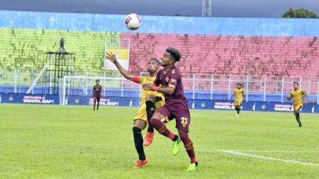 Pertandingan PSM Makassar saat melawan Bhayangkara Solo FC pada laga kedua grup B Piala Menpora 2021. - INDOSPORT