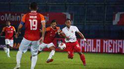 Laga Borneo FC saat menghadapi Persija Jakarta pada fase grup B Piala Menpora 2021.