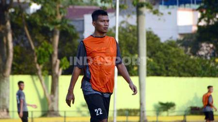 Persita Tangerang secara resmi telah mengumumkan rekrutan baru yakni Agung Prasetyo. - INDOSPORT