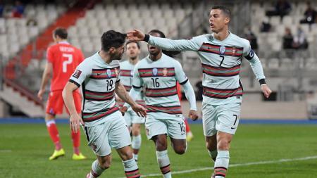 Cristiano Ronaldo dan skuad Portugal merayakan gol ke gawang Luksemburg dalam laga Kualifikasi Piala Dunia 2022. - INDOSPORT