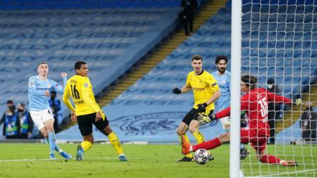 Dua Pemain Ini Dikritik Pep Guardiola Pasca Man City Menang Atas Dortmund. - INDOSPORT
