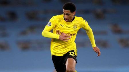 Meski sorotan lebih tertuju pada Erling Haaland, Jude Bellingham sukses mencuri perhatian saat Borussia Dortmund dikalahkan Manchester City di Liga Champions. - INDOSPORT