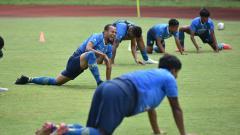 Indosport - Suasana latihan Persib Bandung jelang perempatfinal Piala Menpora 2021.