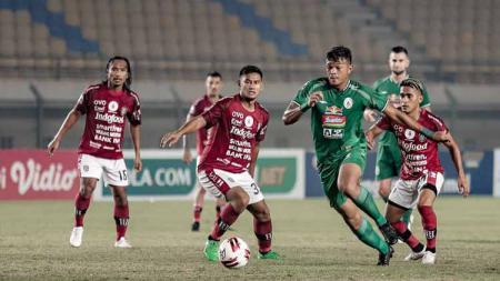 Laga PSS Sleman vs Bali United di babak 8 besar Piala Menpora 2021 di Stadion Maguwoharjo Sleman. - INDOSPORT
