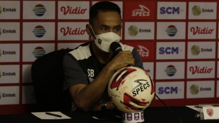 Pelatih PSM Makassar, Syamsuddin Batola. - INDOSPORT