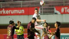 Indosport - Suasana pertandingan Persija vs PSM di Piala Menpora, Kamis (15/04/21).