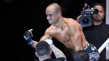 Eddie Alvarez mantan juara kelas ringan UFC. - INDOSPORT