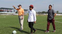 Indosport - PSG Pati mendatangkan dua pelatih senior yakni Subangkit dan Bernhard Schumm.