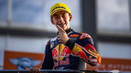 Pedro Acosta rookie tim KTM Ajo di Moto3. - INDOSPORT