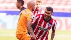 Indosport - Selebrasi Angel Correa usai menjebol gawang Eibar.