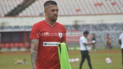 Indosport - Bek asal Brasil, Caio Ruan diakabrkan batal berkostum Persipura Jayapura.