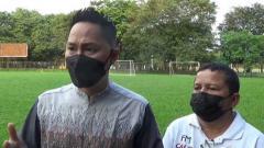 Indosport - Manajer Sriwijaya FC, Muhammad Fadli (kiri).