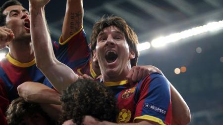 Selebrasi Lionel Messi usai membawa Barcelona mengalahkan Real Madrid di semifinal Liga Champions,. 27 April 2011. - INDOSPORT