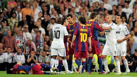 Tanpa Lionel Messi, berikut starting XI Barcelona jelang lawan Real Madrid dalam laga bertajuk El Clasico versi Andres Iniesta. - INDOSPORT