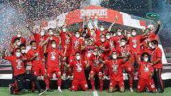Tim Persija Jakarta saat merayakan gelar juara Piala Menpora 2021.