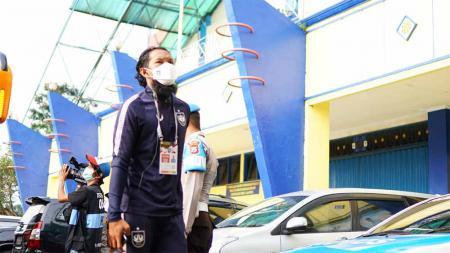 Bhayangkara FC resmi mendatangkan pemain belakang PSIS, Abanda Rahman. - INDOSPORT
