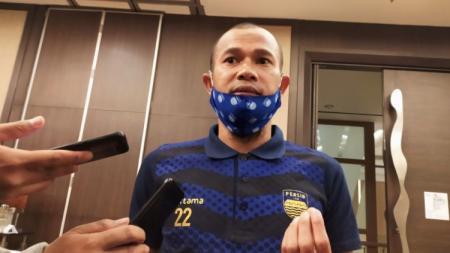Kapten Persib Bandung, Supardi Nasir, beberkan program latihan mandiri yang diberikan oleh sang pelatih, Robert Alberts. - INDOSPORT