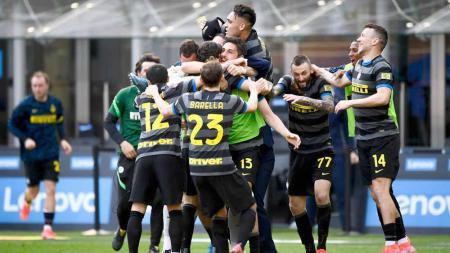 Inter Milan dikabarkan bakal mengorbankan beberapa bintang mereka demi bisa mempertahankan gelar scudetto Serie A Italia musim 2020-2021 ini. - INDOSPORT