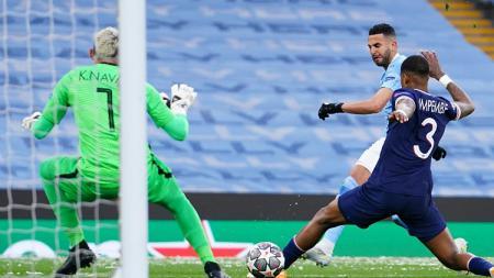 Jadi pahlawan yang membawa Manchester City ke final Liga Champions menyingkirkan PSG, Riyad Mahrez mengucap Alhamdullilah dan sindir kartu merah Angel di Maria. - INDOSPORT