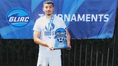 Pesepak Bola Indonesia, George Brown saat juara di Amerika Serikat - INDOSPORT