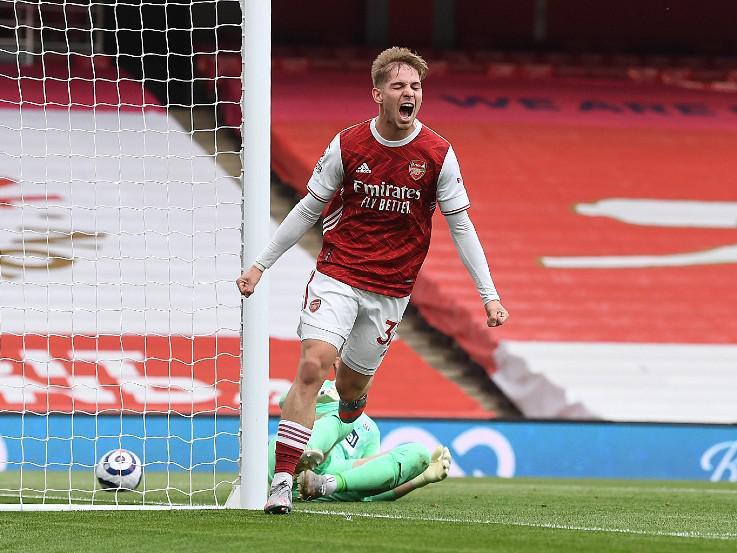 Emile Smith Rowe merayakan gol yang ia cetak dalam laga Arsenal vs WBA Copyright: Twitter @Arsenal