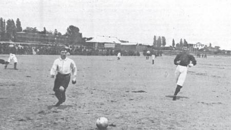 Duel Real Madrid vs Barcelona pertama sepanjang sejarah, 13 Mei 1902. - INDOSPORT