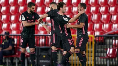 Real Madrid sukses menggasak tim tuan rumah, Granada, dengan skor 1-4 pada lanjutan pekan ke-36 LaLiga Spanyol, Jumat (14/05/21) dini hari WIB. - INDOSPORT