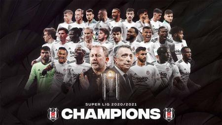 Besiktas berhasil menjadi juara Liga Turki secara dramatis setelah unggul selisih satu gol dari rival mereka, Galatasaray. - INDOSPORT