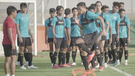 Latihan Timnas Indonesia di Dubai, Uni Emirat Arab, Rabu (19/05/21). - INDOSPORT