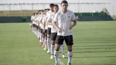 Indosport - Latihan Timnas Indonesia di Dubai, Uni Emirat Arab, Rabu (19/05/21).
