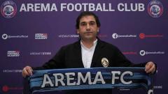 Indosport - Pelatih asal Portugal, Eduardo Almeida resmi diperkenalkan Arema FC menatap kompetisi Liga 1 2021