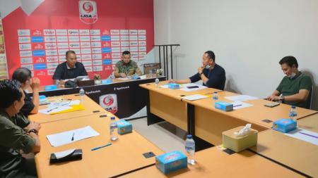 Direksi PT SOM tengah membahas langkah-langkah bawa Sriwijaya FC ke Liga 1 lagi. - INDOSPORT