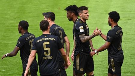 Bayern Munchen sukses menutup musim dengan manis usai berhasil mengalahkan tamunya Augsburg pada pekan ke-34 Bundesliga Jerman, Sabtu (22/05/21) malam WIB. - INDOSPORT