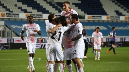 AC Milan sukses memastikan tiket untuk tampil di Liga Champions musim depan usai mengalahkan Atalanta pada pekan ke-38 Liga Italia 2020/21, Senin (24/05/21) dini hari WIB. - INDOSPORT