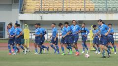 Indosport - Persib Bandung mengagendakan pertandingan uji coba menghadapi klub Liga 2 dan Liga 3 untuk persiapan mengarungi kompetisi Liga 1 2021.