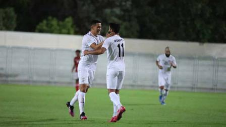 Selebrasi pemain Afghanistan usai mencetak gol ke gawang Timnas Indonesia pada laga uji coba di Iranian Club Stadium, Dubai, Uni Emirat Arab (UEA), Selasa (25/05/21).