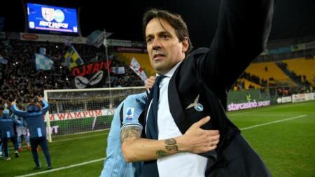 Simone Inzaghi saat masih menukangi Lazio. - INDOSPORT