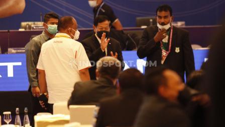 Agum Gumelar tiba di venue Kongres PSSI 2021 di Hotel Raffles, Jakarta, Sabtu (29/05/21).