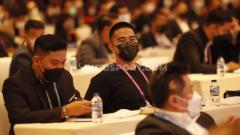 Indosport - Pemilik klub Persis Solo Kaesang Pangarep menghadairi acara Kongres PSSI 2021 di Hotel Raffles, Jakarta, Sabtu (25/05/21).