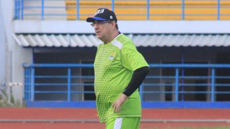 Pelatih Persib, Robert Rene Alberts. - INDOSPORT