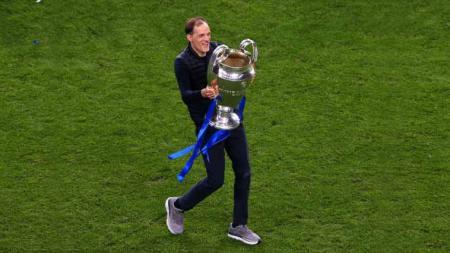 Pelatih Chelsea, Thomas Tuchel kenakan sepatu keberuntungan saat Chelsea menjuarai Trofi Liga Champions. - INDOSPORT