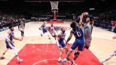 Indosport - Pertandingan antara Philadelphia 76ers vs Washington Wizards.